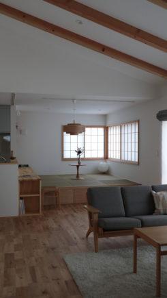 和の雰囲気漂う畳ダイニングの家
